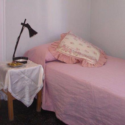 Rent this 6 bed room on Calle de Guzmán el Bueno in 106, 28003 Madrid