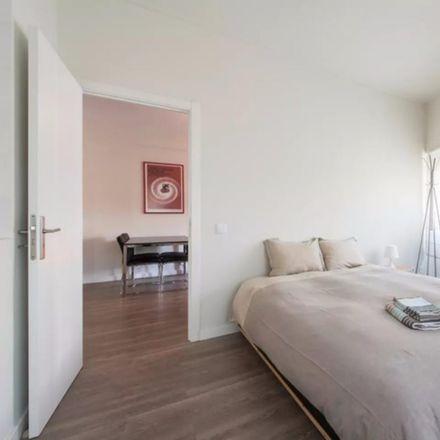 Rent this 1 bed apartment on Escola Básica 1 Santo Condestável in Rua Pereira e Sousa 60, 1350-102 Campo de Ourique