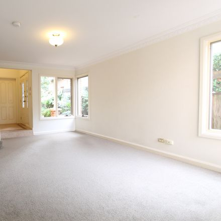 Rent this 3 bed apartment on 17 Namoi Road