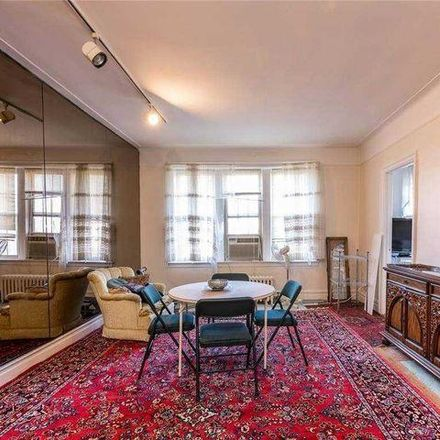Rent this 1 bed condo on 14 Bond Street in Great Neck Plaza, NY 11021