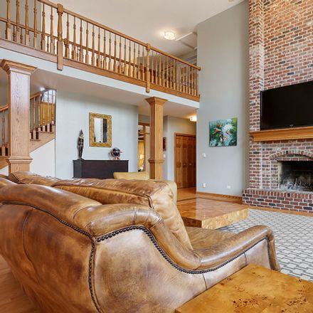 Rent this 6 bed house on 13023 Ravine Drive in Lemont, IL 60439