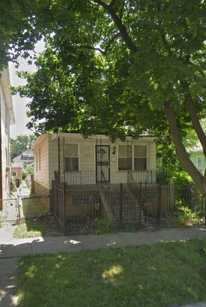 Rent this 4 bed house on 8211 South Saginaw Avenue in Chicago, IL 60617