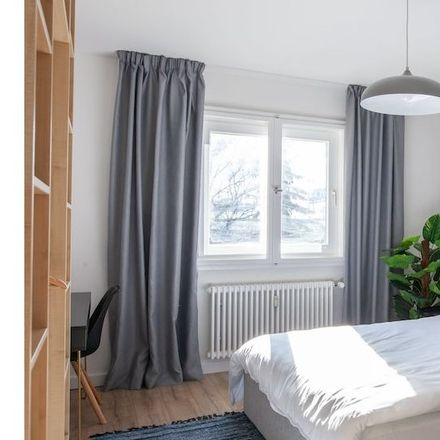 Rent this 2 bed apartment on Grenzallee 81 in 12057 Berlin, Germany