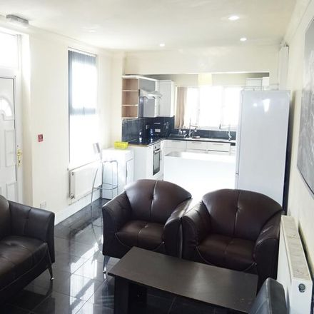 Rent this 7 bed house on May Street in Cardiff, United Kingdom