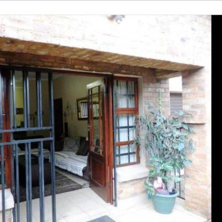 Rent this 3 bed townhouse on Embassy of the United Arab Emirates in 992 Arcadia Street, Tshwane Ward 92
