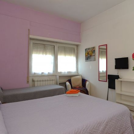 Rent this 2 bed room on Ente Nazionale Idrocarburi (ENI) in Viale dell'Arte, 00144 Rome RM