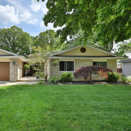 Rent this 3 bed house on 835 Inwood Place in Columbus, OH 43224