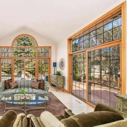 Rent this 5 bed house on 4114 West Stonefield Road in Mequon, WI 53092