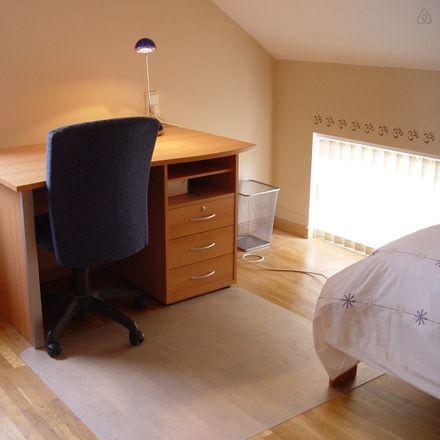 Rent this 4 bed room on Rue des Merles 113 in 6790 Aubange, Belgique