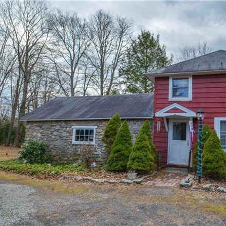 Rent this 3 bed house on Paradise Ln in Cresco, PA