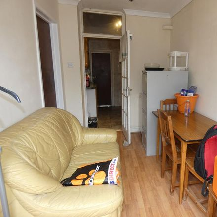 Rent this 1 bed room on Silverleigh Road in London CR7 6DS, United Kingdom
