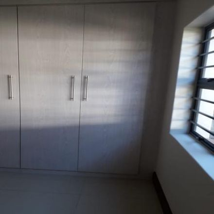 Rent this 2 bed apartment on Edward Avenue in Crowthorne, Gauteng