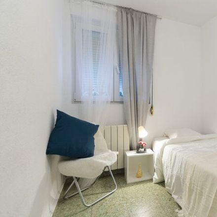 Rent this 4 bed apartment on Calle de la Duquesa de Parcent in 28001 Madrid, Spain