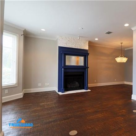 Rent this 3 bed condo on 1212 South Adams Street in Fort Worth, TX 76104