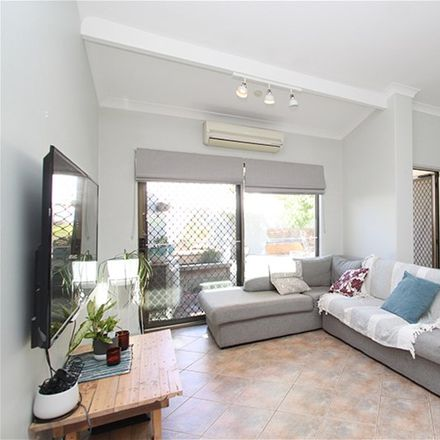 Rent this 3 bed house on 6/51 Park Street