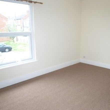 Rent this 2 bed house on Stepping Stones Pre-School in Cross Street, Kettering NN16 9DH