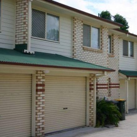 Rent this 3 bed townhouse on 3/19 Baradine Street