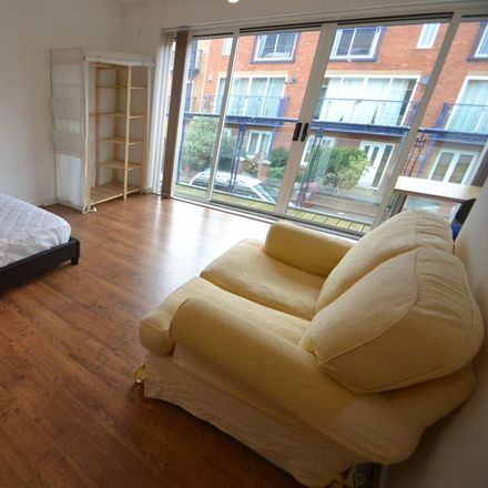 Rent this 4 bed house on 10-12 in 10-12 Eliza Street, Manchester M15 5EG