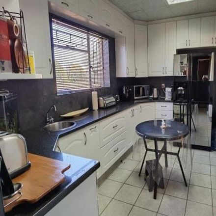 Rent this 3 bed house on Bultfontein Street in Albertynshof, Kimberley