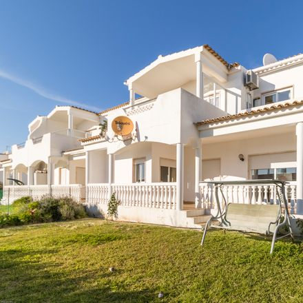 Rent this 3 bed apartment on 8501-906 Alvor