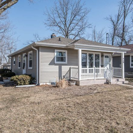 Rent this 3 bed house on 418 West 5th Street in Oconomowoc, WI 53066
