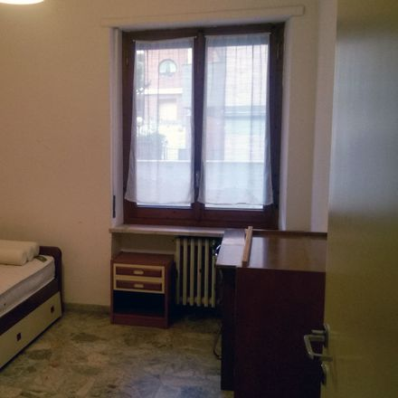 Rent this 3 bed room on Via F. de Sanctis in 56, 65122 Pescara PE