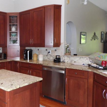 Rent this 5 bed loft on 308 Sweetbrier Branch Ln in Jacksonville, FL