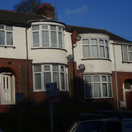 Rent this 3 bed house on Farley Hill in Luton LU1 5NR, United Kingdom