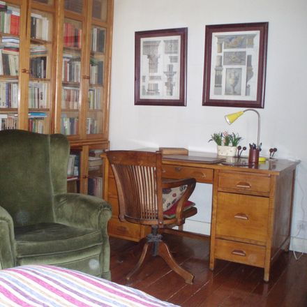 Rent this 4 bed room on Rúa de Pizarro in 5, 36204 Vigo