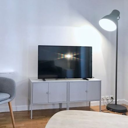 Rent this 1 bed apartment on 18 Rue Poncelet in 75017 Paris, France