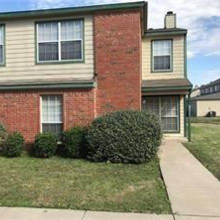 Rent this 3 bed condo on 3637 Clubview Drive in Garland, TX 75044