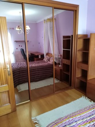 Rent this 7 bed room on Rua Brincos de Princesa in 2710-089 Sintra, Portugal