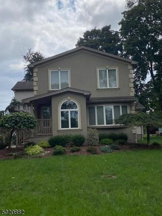 Rent this 3 bed house on 4 New Street in Pequannock Township, NJ 07440