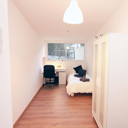 Rent this 10 bed room on Escola de ballet Eulàlia Blasi in Carrer d'Alí Bei, 08001 Barcelona
