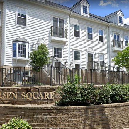 Rent this 3 bed condo on 1029 Maiden Lane in Ann Arbor, MI 48105