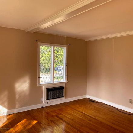 Rent this 3 bed house on 204 Lincoln Avenue in Pine Beach, NJ 08741