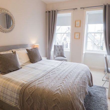 Rent this 1 bed apartment on 268 Canongate in City of Edinburgh, EH8 8DF