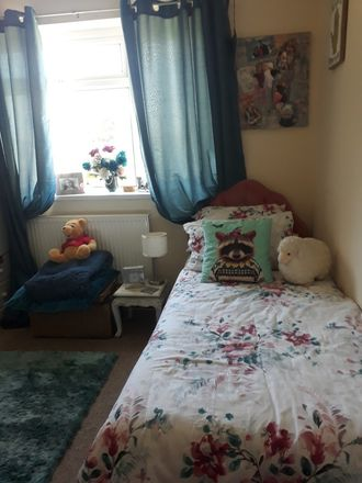 Rent this 1 bed house on Cefn Glas in Laleston, WALES