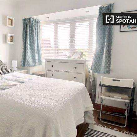 Rent this 3 bed room on 5 Lea Crescent in Sandymount, County Dublin