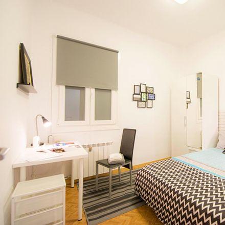 Rent this 3 bed room on Calle Gordóniz / Gordoniz kalea in 2, 48011 Bilbao