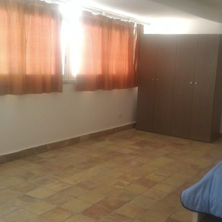 Rent this 4 bed room on Vicolo Ragusi in 90134 Palermo PA, Italia