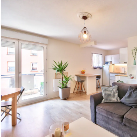 Rent this 1 bed apartment on 28 Rue Émile Brouardel in 31000 Toulouse, France