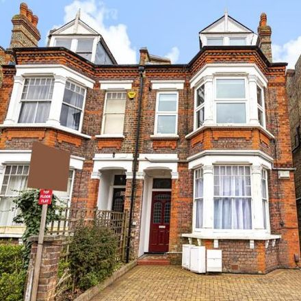 Rent this 2 bed apartment on 32 in 34 Mountfield Road, London N3 3NR