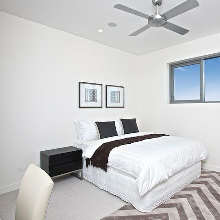 Rent this 1 bed apartment on 11140/35 Campbell Street