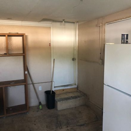 Rent this 1 bed room on 500 Wilson Circle in Placentia, CA 92870