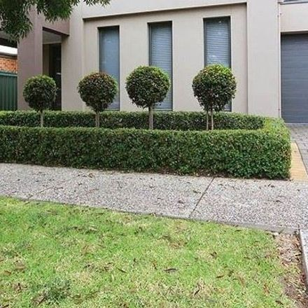 Rent this 3 bed house on 3 Shoalhaven Circuit