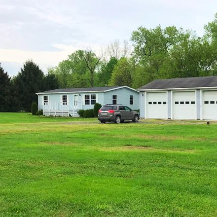 Rent this 3 bed house on Straits Corners Rd in Owego, NY
