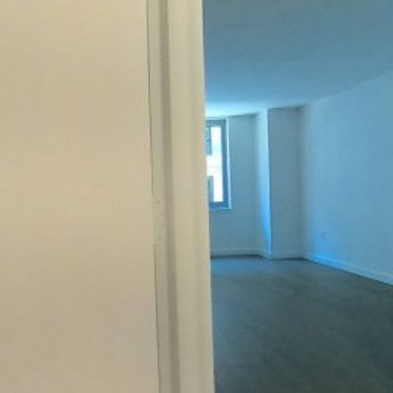 Rent this 1 bed apartment on #11i in 111 Worth Street, Civic Center