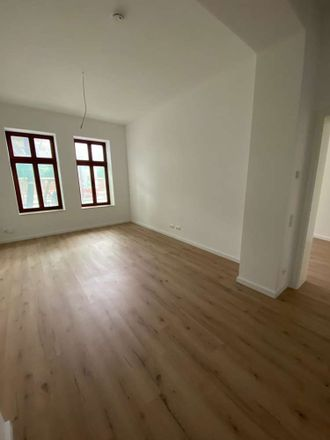 Rent this 3 bed apartment on Leipziger Straße 28 in 39112 Magdeburg, Germany