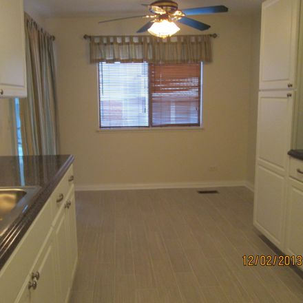Rent this 3 bed townhouse on 367 Thornhill Court in Schaumburg, IL 60193